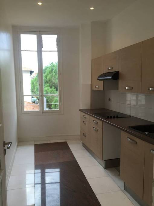 location appartement 2 pieces nice