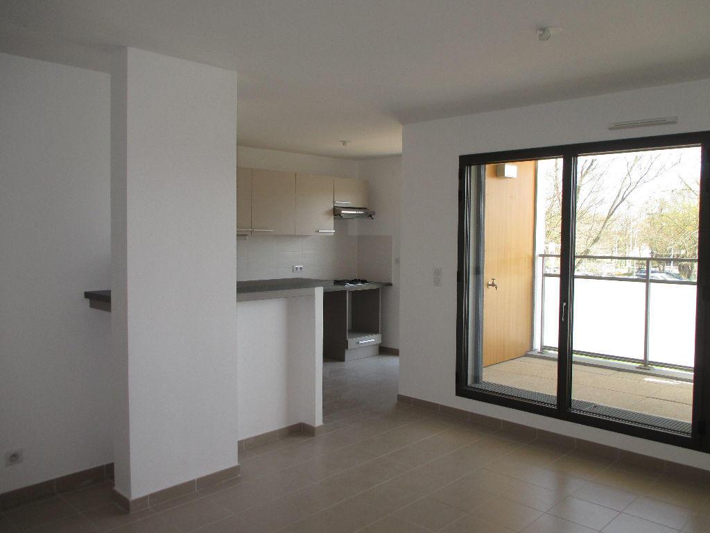 location appartement 44600