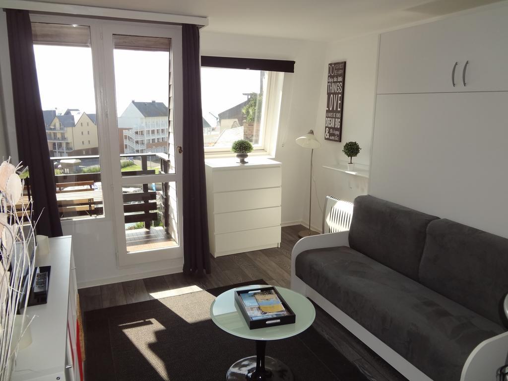 location appartement deauville. Black Bedroom Furniture Sets. Home Design Ideas