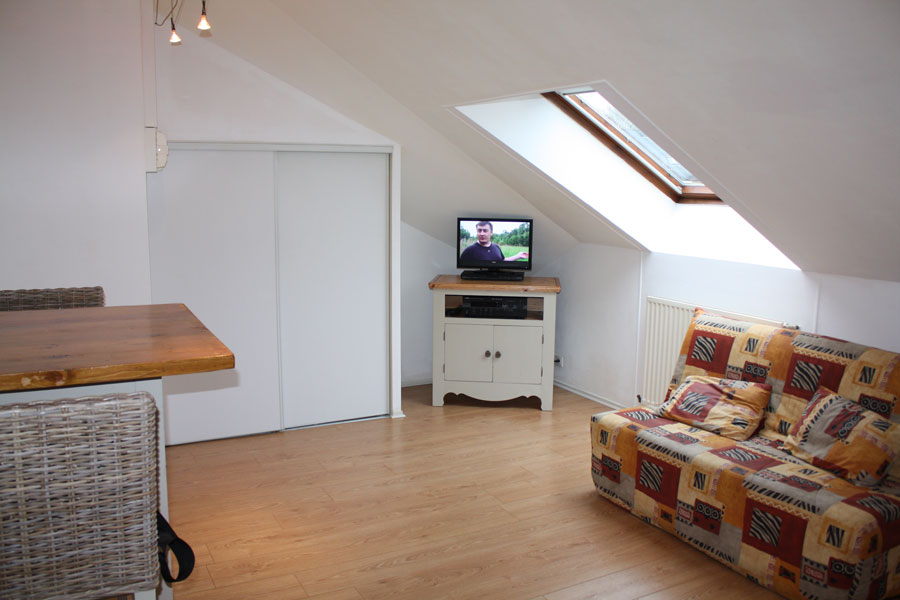 location appartement dinard. Black Bedroom Furniture Sets. Home Design Ideas