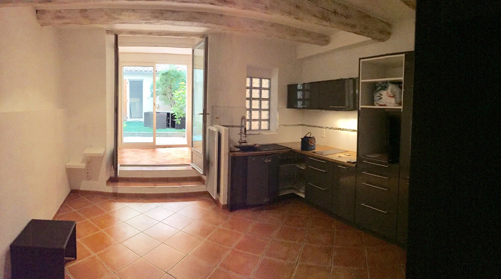 location appartement t2 aix en provence. Black Bedroom Furniture Sets. Home Design Ideas