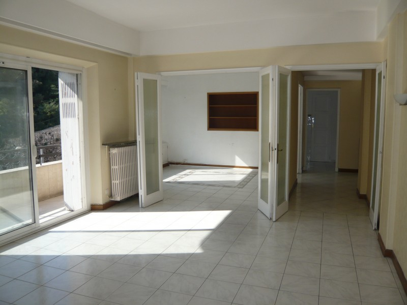 Location appartement t4 marseille 13007 for Appartement terrasse 13007