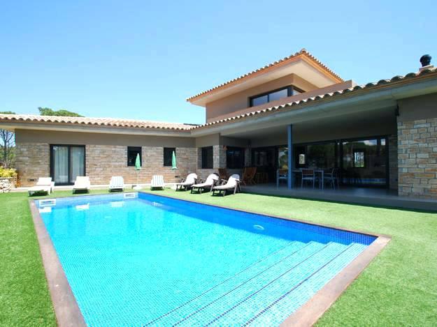 Location maison avec piscine privee for Site de villa a louer