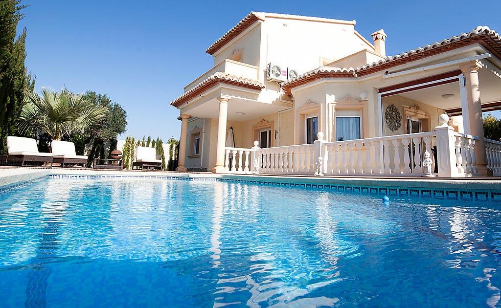 Location maison avec piscine privee - Recherche maison a louer avec jardin ...