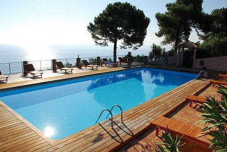 Location maison corse - Location villa avec piscine en corse ...