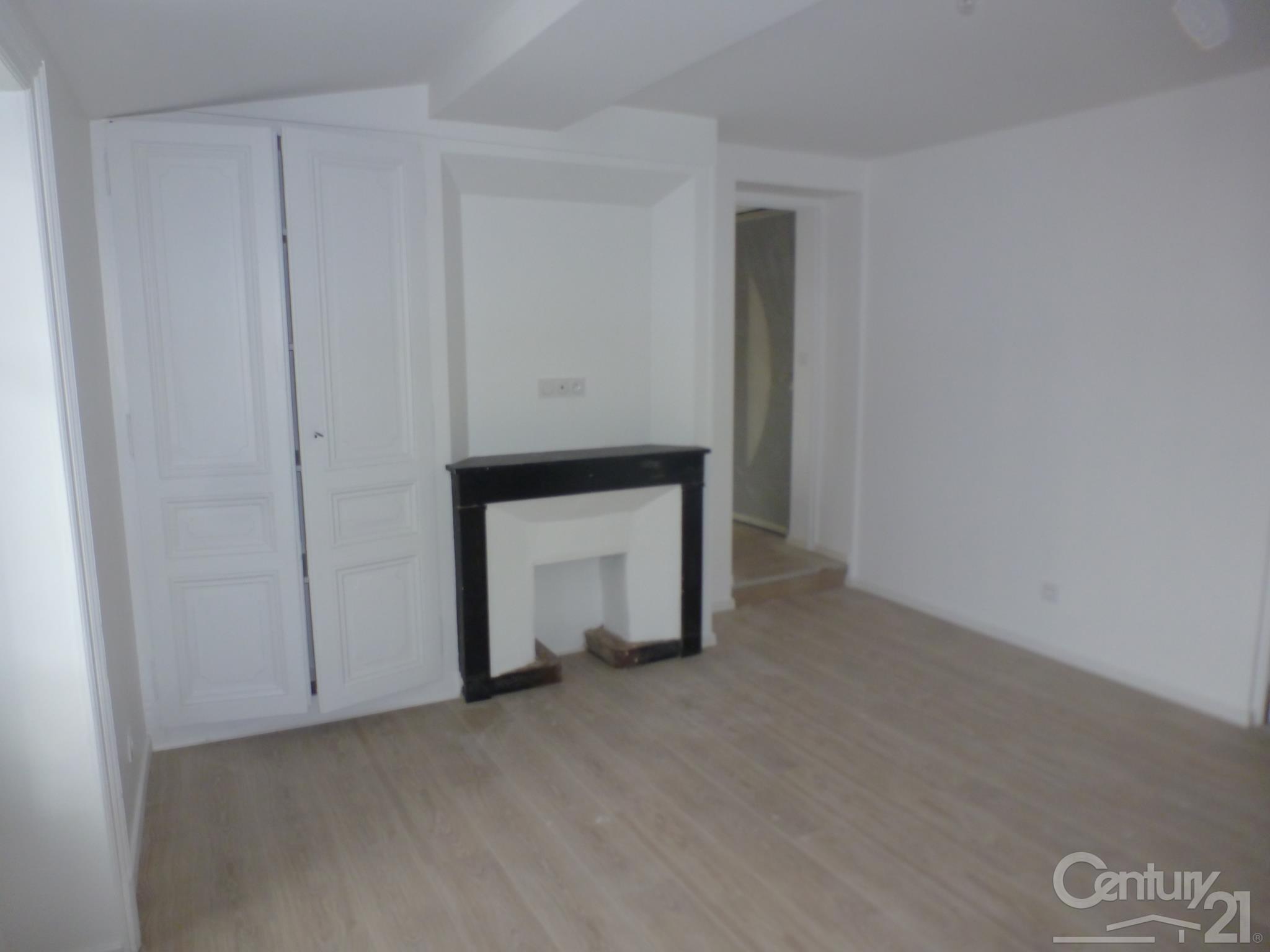 location appartement 01700