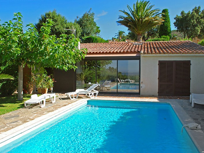 location maison 2 personnes avec piscine