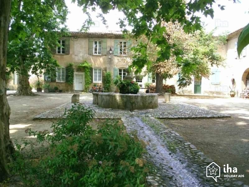 location maison de village